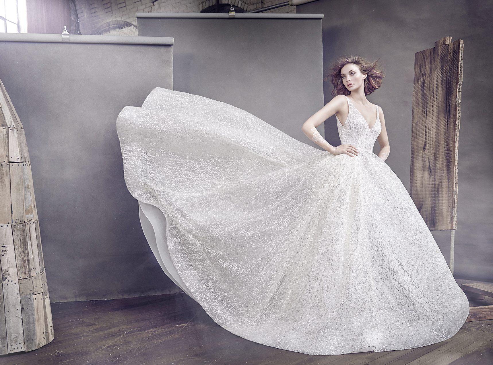 Feature Dress: Lazaro Style 3662