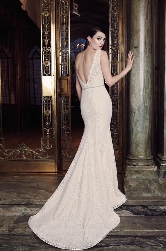 Feature Dress: Mikaella Style 2016