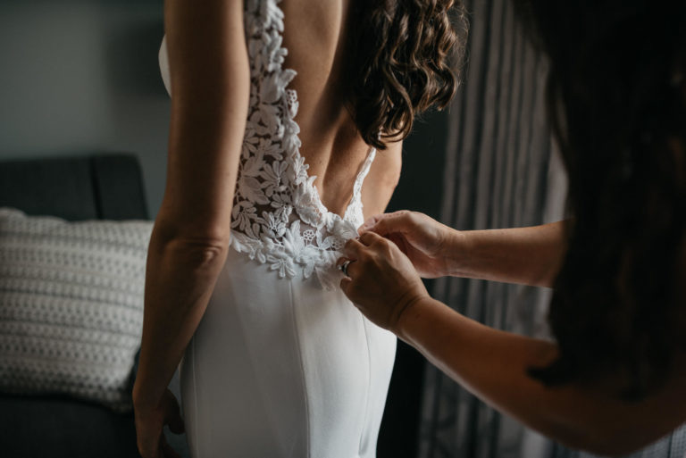 5 Things to Know for your Wedding Dress Fitting